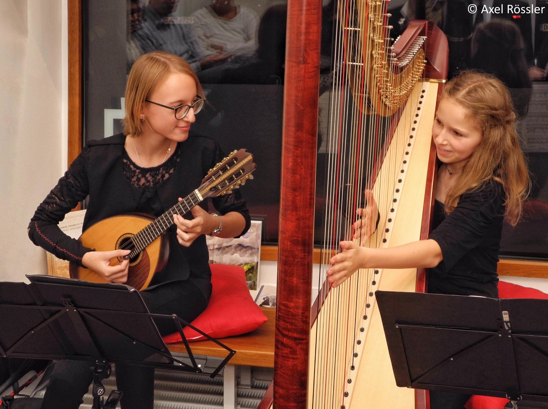 Duo Marpolino bei der Konzert-Premiere im Düsseldorfer Kultur-Zimmer